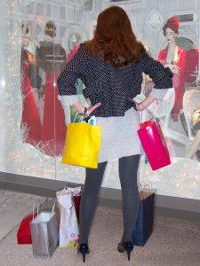 912245_queen_of_shopping